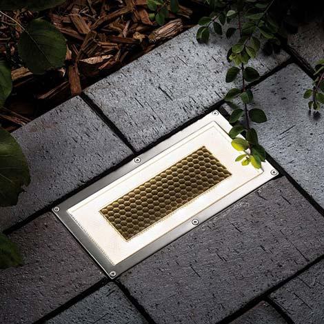 Onyx Solar Brick Light
