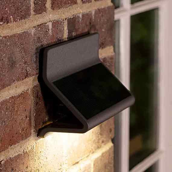 Zenith Solar Wall Light