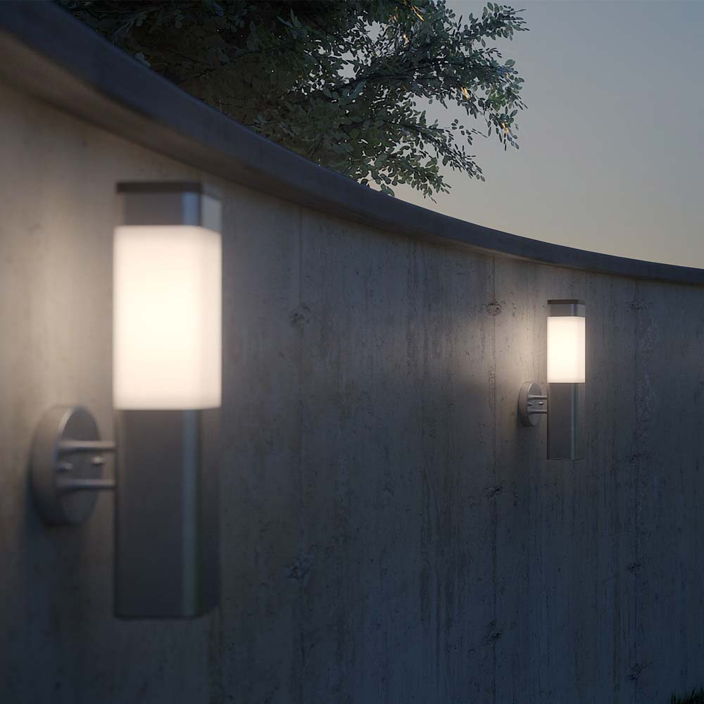 Kodiak Solar Wall Light